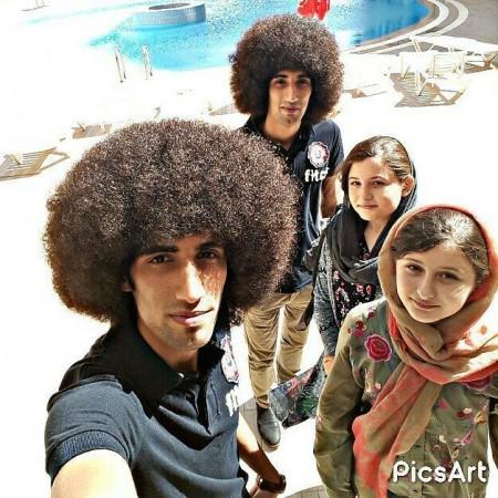 سارا و نیکا , سارا و نیکا فرقانی اصل,عکس سارا و نیکا با رحمان و رحیم بازیگران سریال پایتخت 5